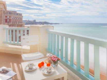 Биарриц Аренда роскошных апартаментов в элегантном особняке по соседству с Отелем дю Пале, прямо на берегу океана