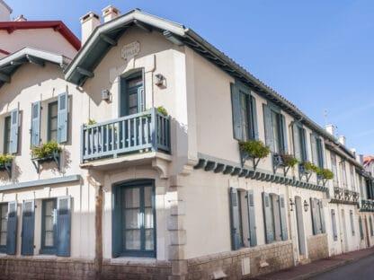Арендовать самую аутентичную городскую виллу в Биаррице. Самый центр города, в двух шагах от Гранд Пляжа.